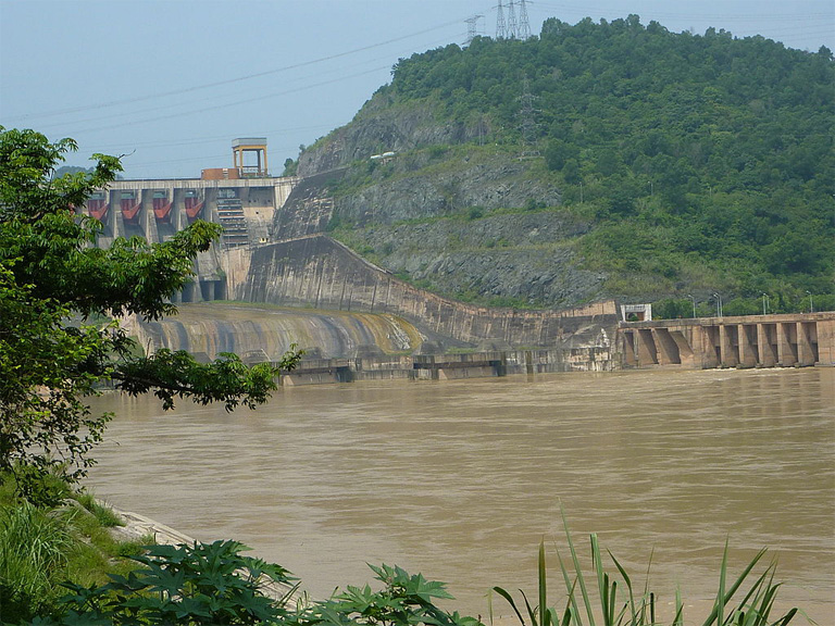 One study found that Vietnam's Red River — ranked ninth in the world in terms of sediment load — had its average yearly load of suspended sediment reduced by 61 percent by the Hoa Bin Dam, even though the dam only reduced water flow by 9 percent. Photo by Fargo888 licensed under the Creative Commons Attribution-Share Alike 3.0 Unported license.