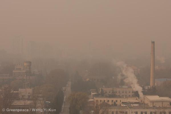 In winter North China burns more coal for heating, which increases air pollution. Photo courtesy of Greenpeace.