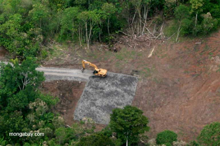 Deforestation in the Ecuadorian Amazon. Land-cover change — cutting forests to make way for cattle, crops or infrastructure — affects the amount of water draining into rivers and taken up by plants. Locally, deforestation may result in less evapotranspiration (the movement of water from soil and plants to the atmosphere), increasing run-off to rivers. Over a wider area, reduced evapotranspiration can result in drought, impacting forests and rivers. Photo by Jeremy Hance