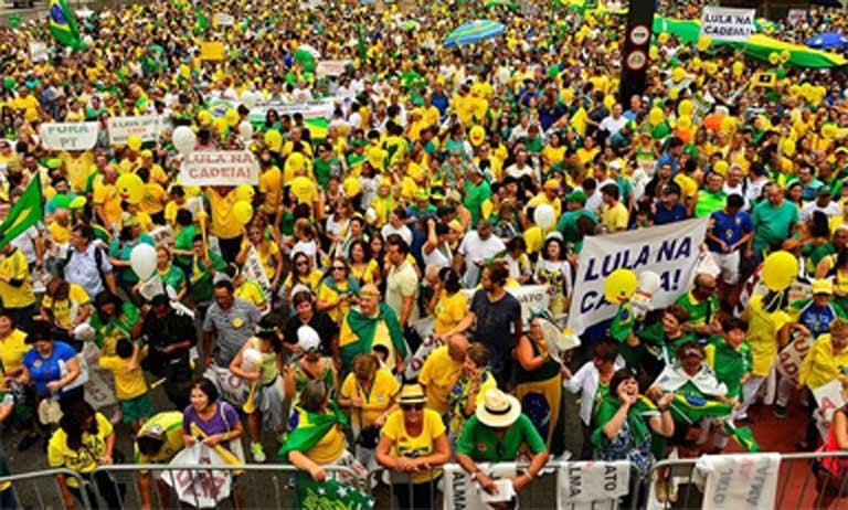 More than a million people took to the streets on March 13, 2016 to protest the vast extent of corruption in Brazil's government and its oil and construction industries. Photo by Rovena Rosa courtesy of Agência Brasil.