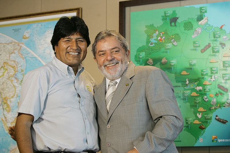 Bolivian president Evo Morales (left) and former Brazilian president Lula Inacio da Silva. On August 22, 2009, President Morales and then President da Silva signed the financing protocol for the construction of the Villa Tunari San Ignacio de Moxos Highway — also known as the TOIPNIS Highway — in Bolivia. Photo courtesy of Agência Brasil under the Creative Commons Attribution 3.0 Brazil license