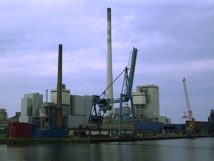 A coal burning plant in Germany. Poorly designed coal plants often pollute local water and air while also contributing significantly to global greenhouse gas emissions. Media played an important role in defeating a proposed coal-fueled power station in the ecologically rich state of Sabah, northern Borneo in 2011. Photo by Beroesz