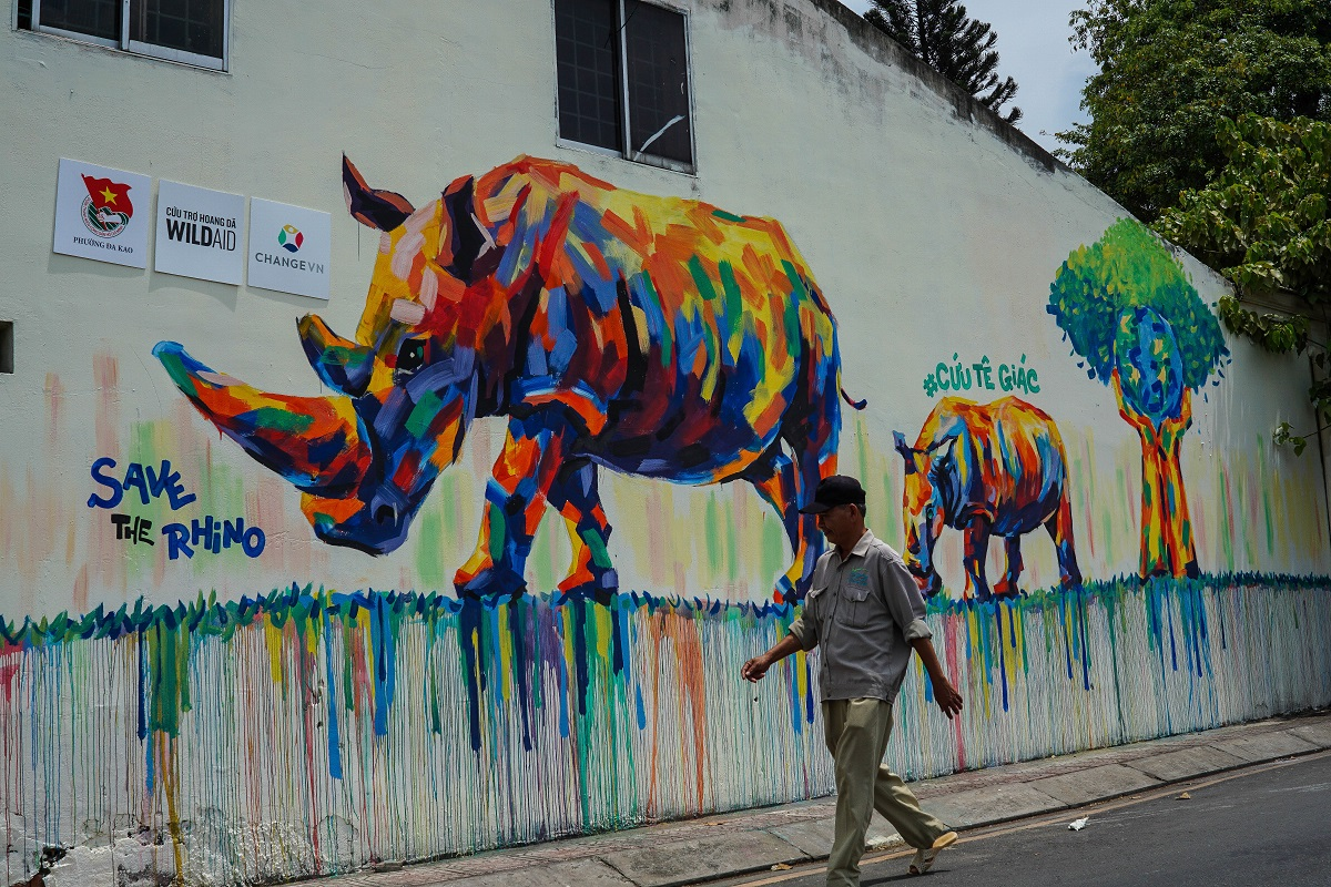 graffiti campaign brings rhino conservation message to